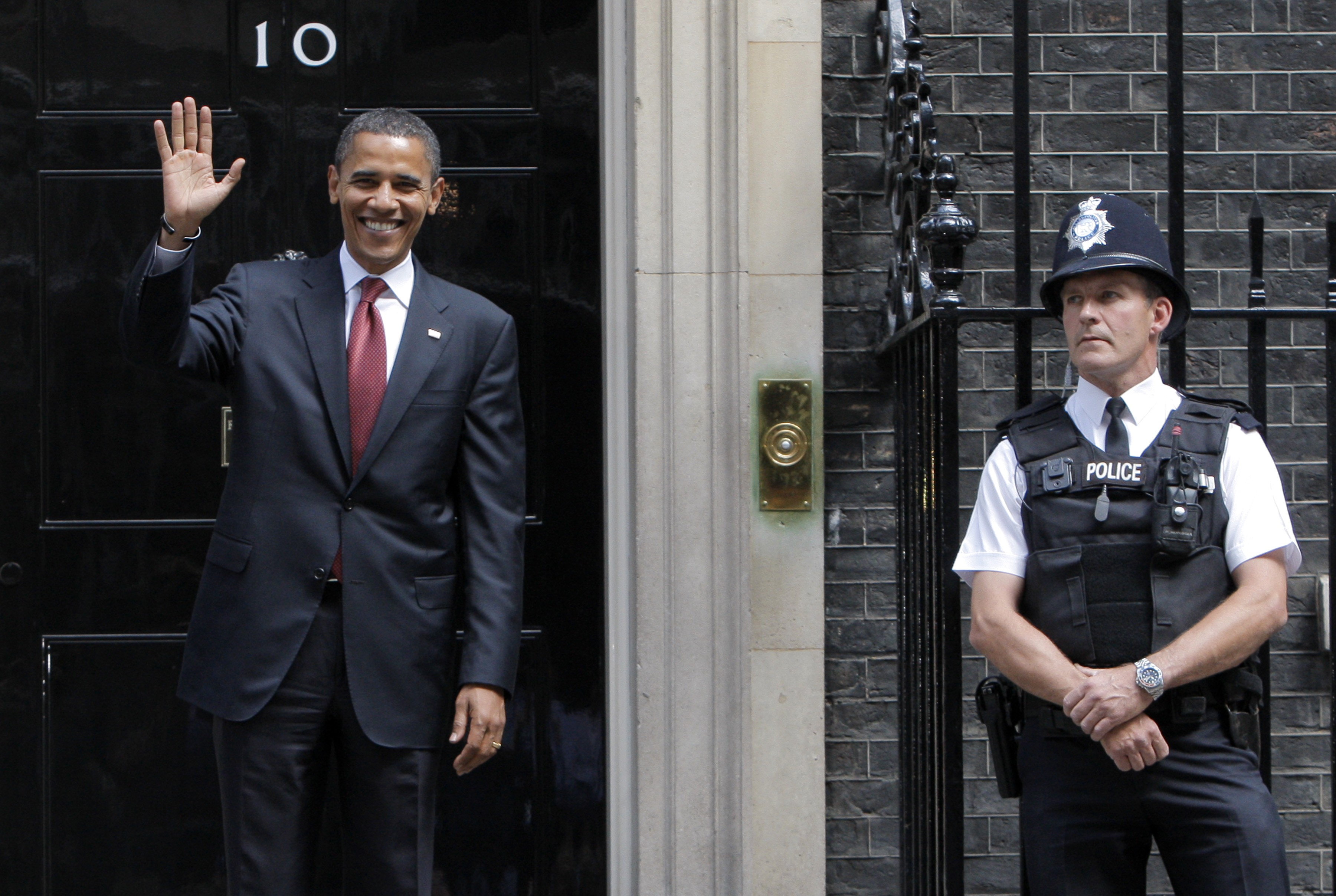 Obama visits Downing St. 2008